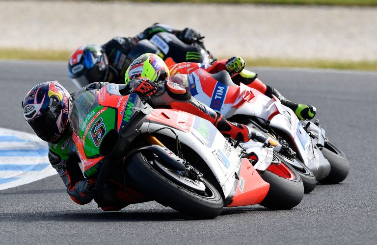 Both Aprilias in the points in Australia: Bradl just outside the top ten, twelfth place for Bautista