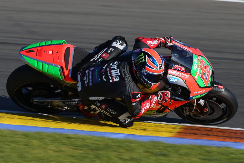 Aprilia Racing Team Gresini kicks off 2017 at Valencia: Sam Lowes and Aleix Espargarò on track for the first test - Gresini Racing