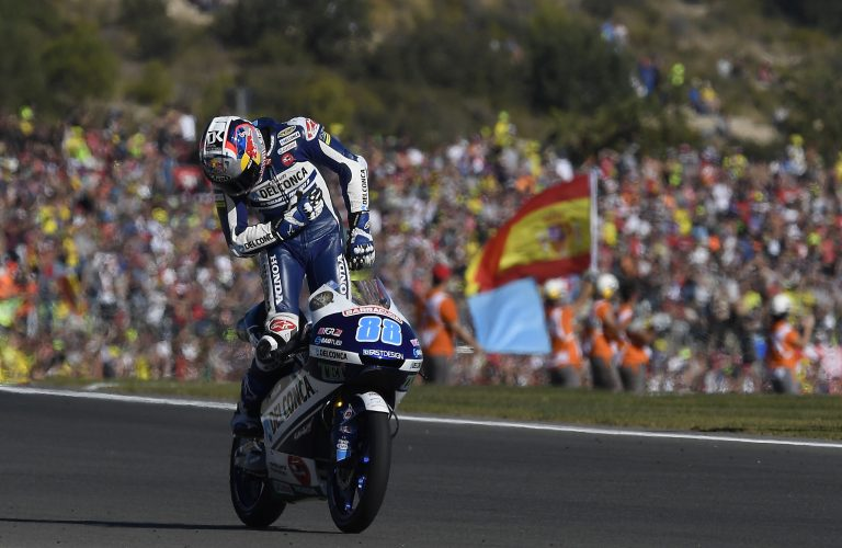 MARTIN WRAPS UP 2017 IN STYLE WITH MAIDEN WIN AT VALENCIA