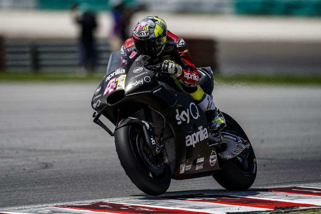 APRILIA CLOSES DAY2 AT SEPANG - Gresini Racing