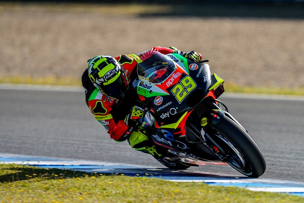 APRILIA ON THE HISTORIC ASPHALT OF THE LE MANS TRACK - Gresini Racing