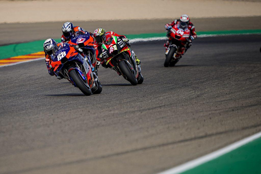 A TECHNICAL PROBLEM HALTS A FANTASTIC RACE BY ALEIX ESPARGARÓ - Gresini Racing