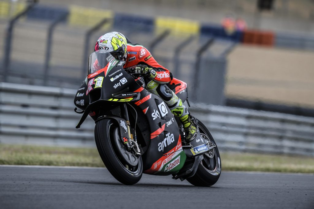 ALEIX CRASHES TWICE WITHOUT CONSEQUENCES, LORENZO DOES WELL IN THE WET - Gresini Racing